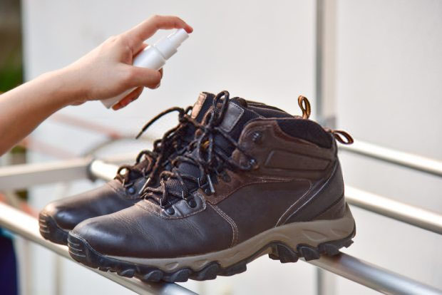 Deodorize the hiking boots
